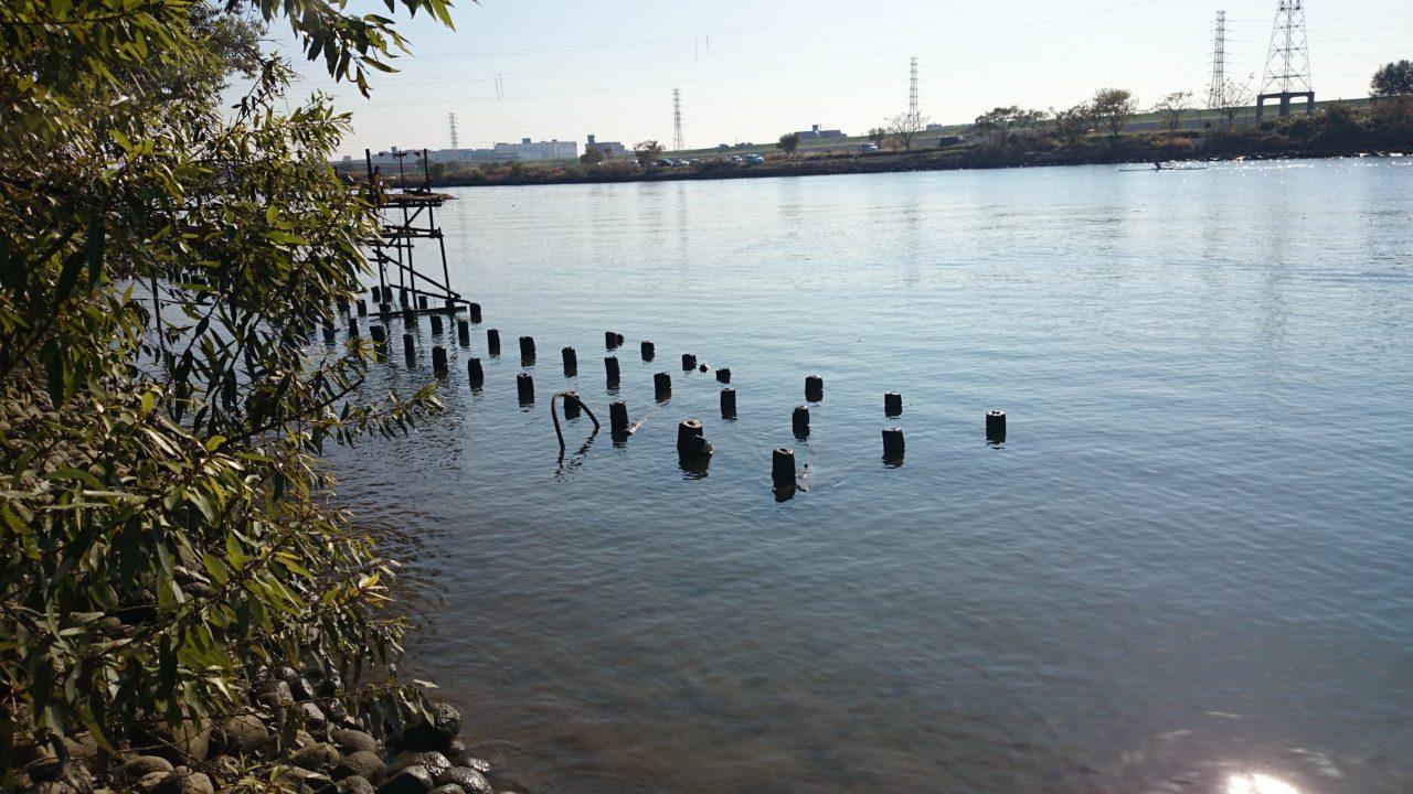 干潮時の笹目橋の少し上流側