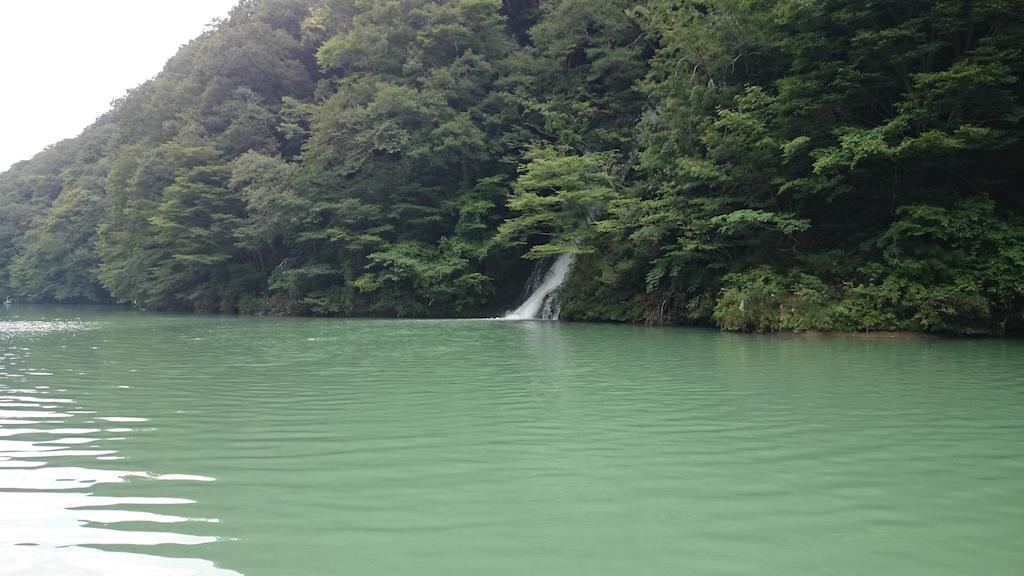 雨の影響で濁り気味の相模湖にて大物ブラックバス狙い☆9