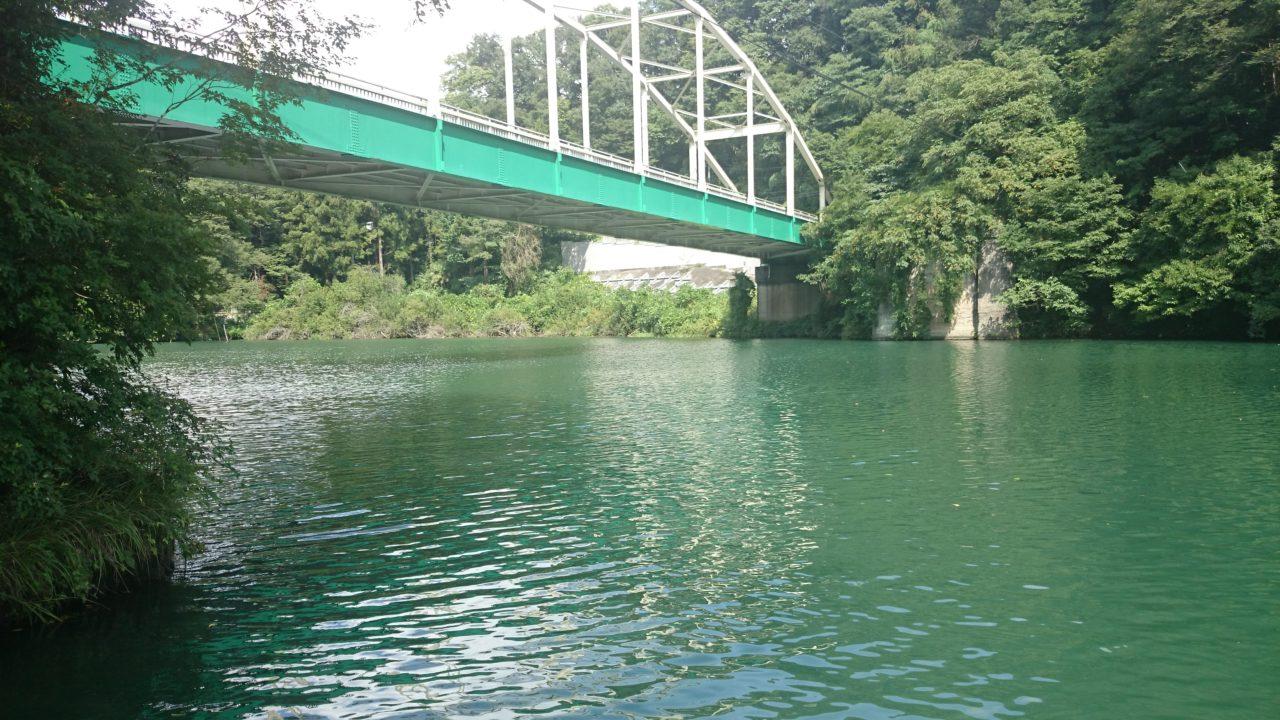 秋めいてきた相模湖で釣り♪♪見えバスが沢山いても難しい!_2
