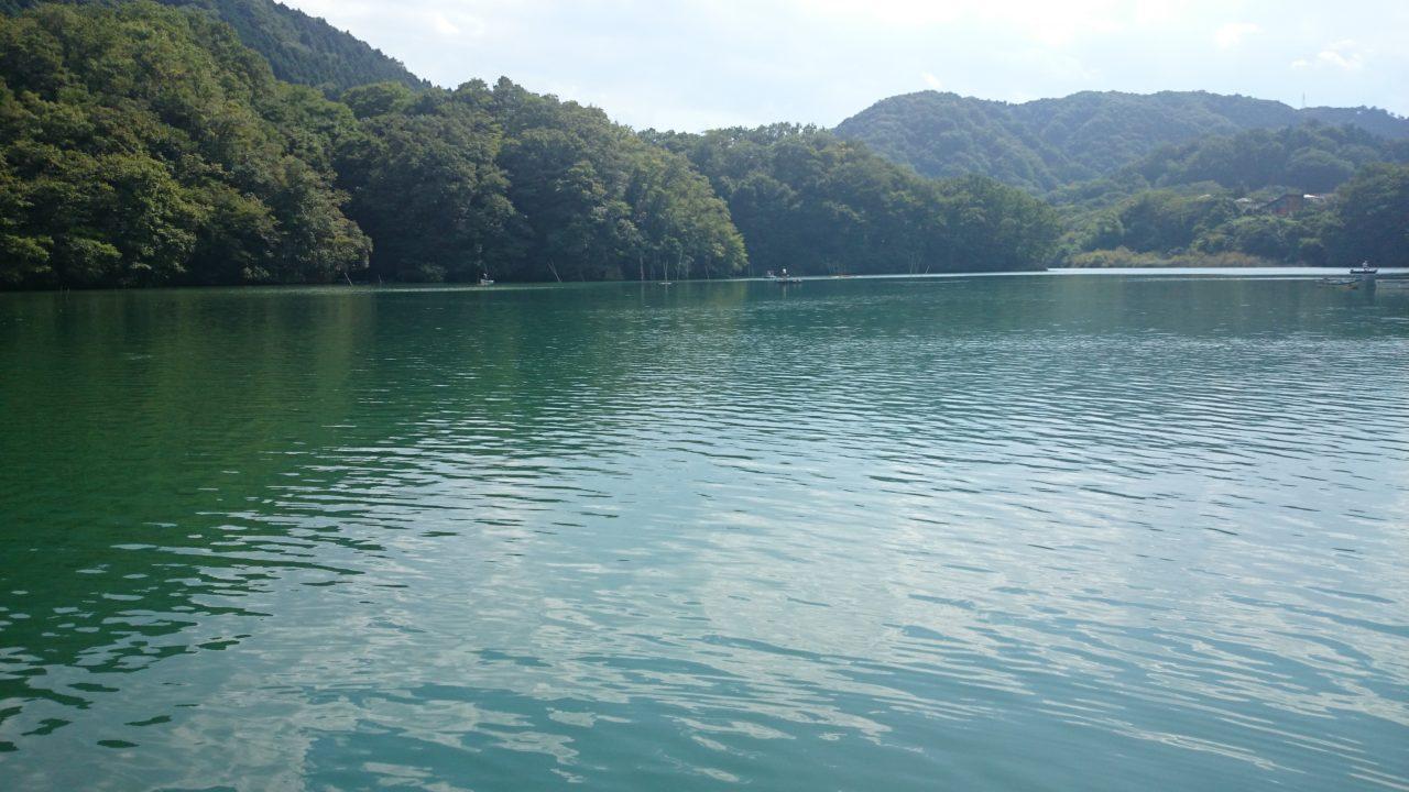 秋めいてきた相模湖で釣り♪♪見えバスが沢山いても難しい!_1