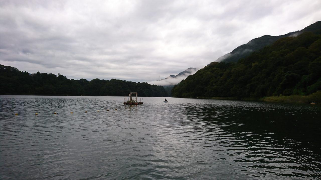 【相模湖と津久井湖】秋のバスフィッシングをボートで満喫🎶